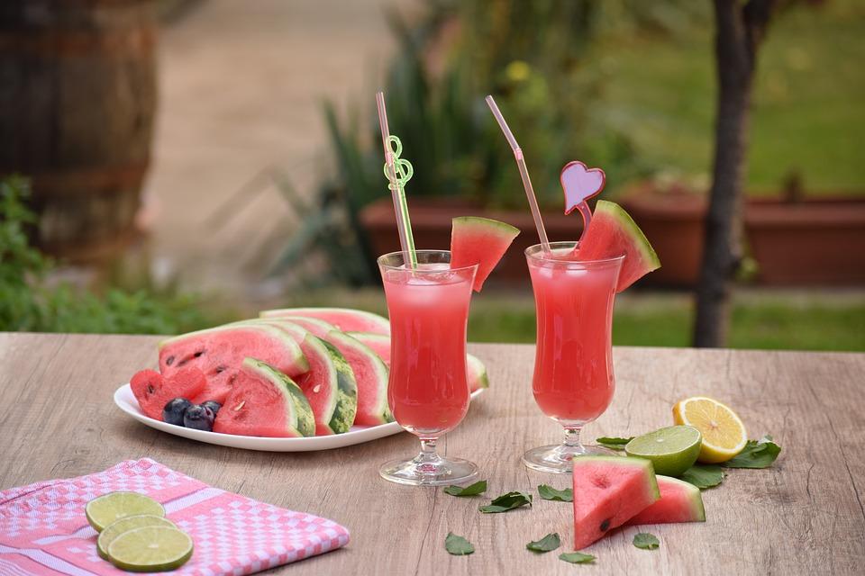 Kolorowe drinki bezalkoholowe